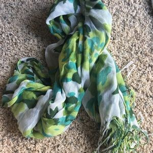 Accessories - Green and white scarf